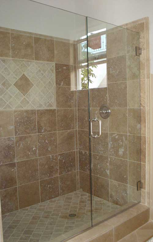 swinging glass shower door 1